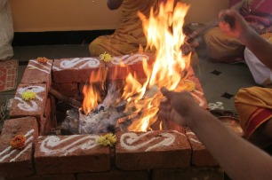 performing-rituals-237699_640