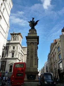 dragon-fleet-street-london