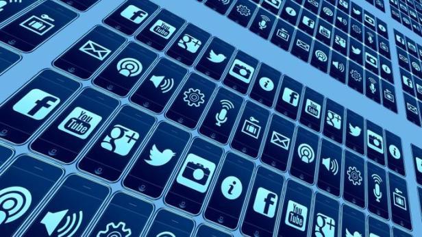 mobile-phone-426559_1920-da3fa9fe512f8fa0