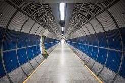 hallway-802068_640