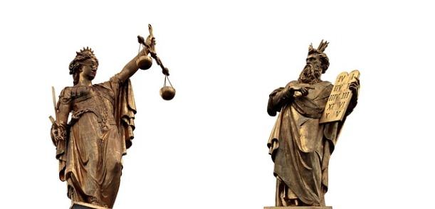 justitia-2638651_640