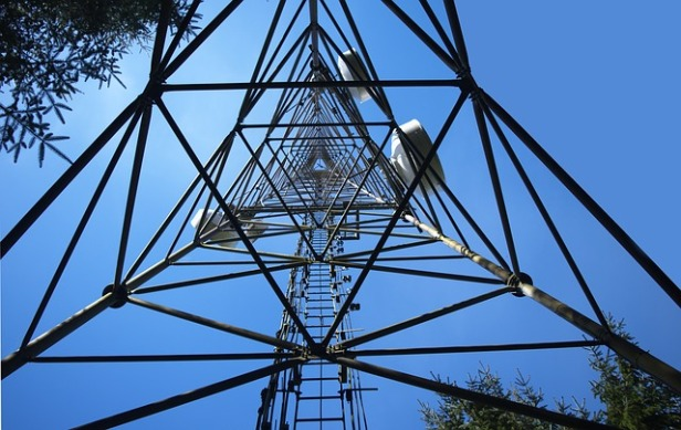 cell-tower-2252153_640