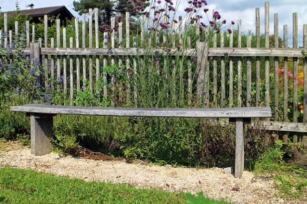 wood-fence-440804_640