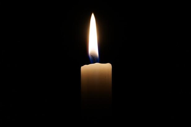 candle-2038736_1280