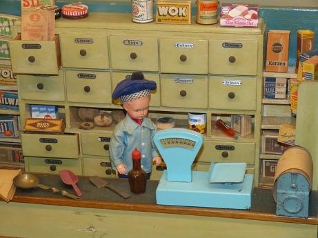 dolls-houses-1094363_640