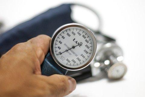 blood-pressure-monitor-3467664_640