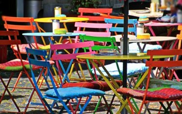 chairs-1169692_640
