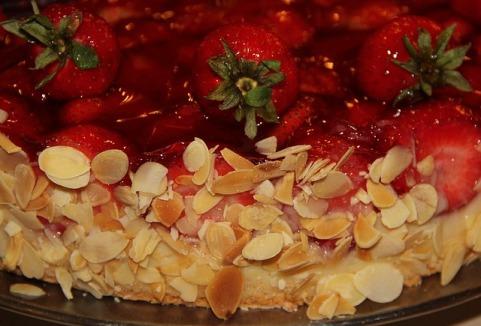 strawberry-pie-1329604_640