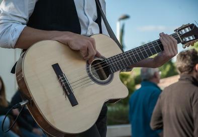 guitar-2292494_640