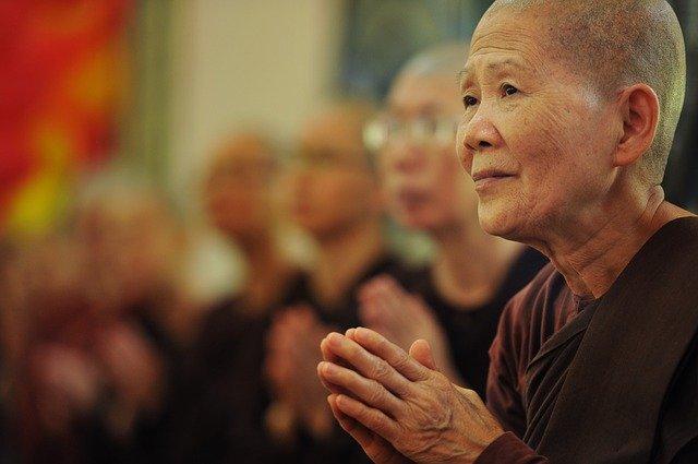 theravada-buddhism-1775946_640